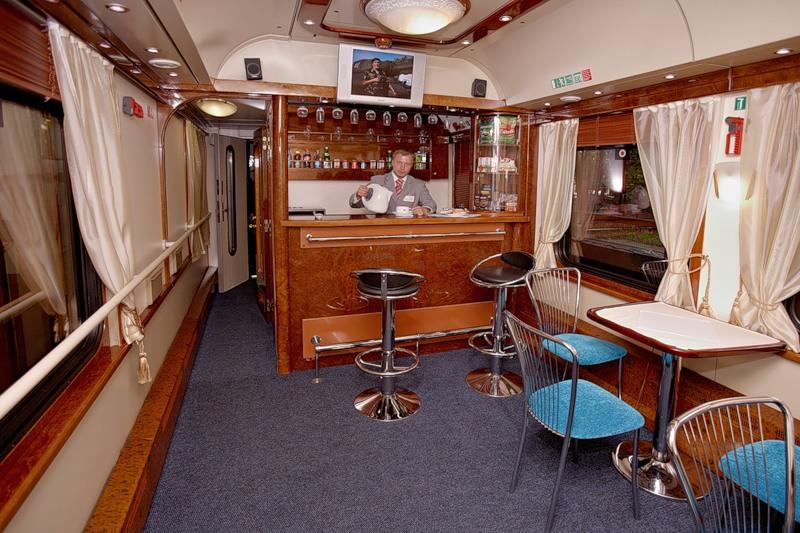 бар в вагоне ресторане поезда
